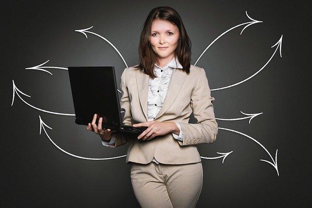 ייעוץ עם מומחים לפני לקיחת הלוואה